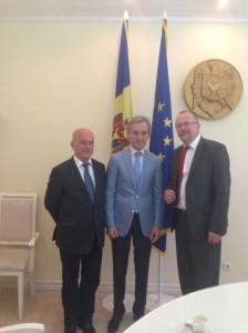 von re nach li: Manfred Grund MdB / Premierminister Iurie Leancă / Axel Schäfer MdB