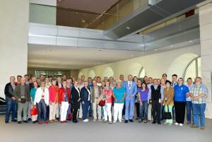 Die Besuchergruppe im Reichstag mit Axel Schäfer MdB