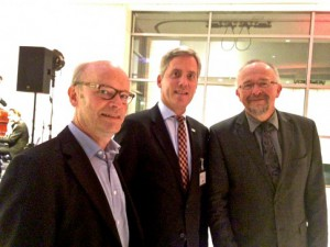 v. r. n. l.: Axel Schäfer MdB, Dirk Erlhöfer und Ralf Kapschack MdB